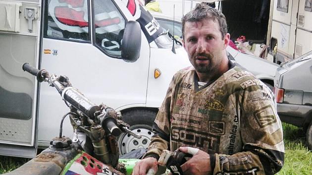 Jindřich Hrabica mladší se představí o víkendu na domácí trati v Petrovicích.