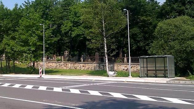 Nová autobusová zastávka a čekárna v Karviné-Dolech