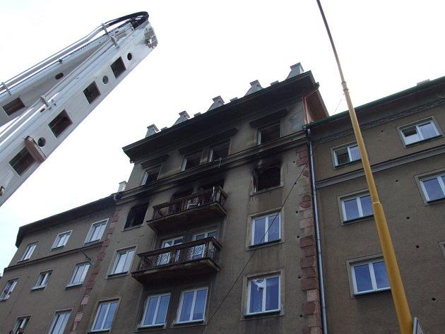 Exploze bytu v domě na Stromovce