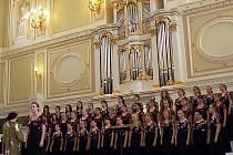 Karvinský pěvecký soubor Permoník se představil v Petrohradu, kde sklidil fenomenální úspěch.