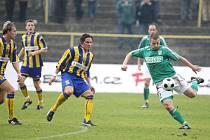 Fotbalisté Karviné ukončili sérii neporazitelnosti, když je těsně zdolala Opava.