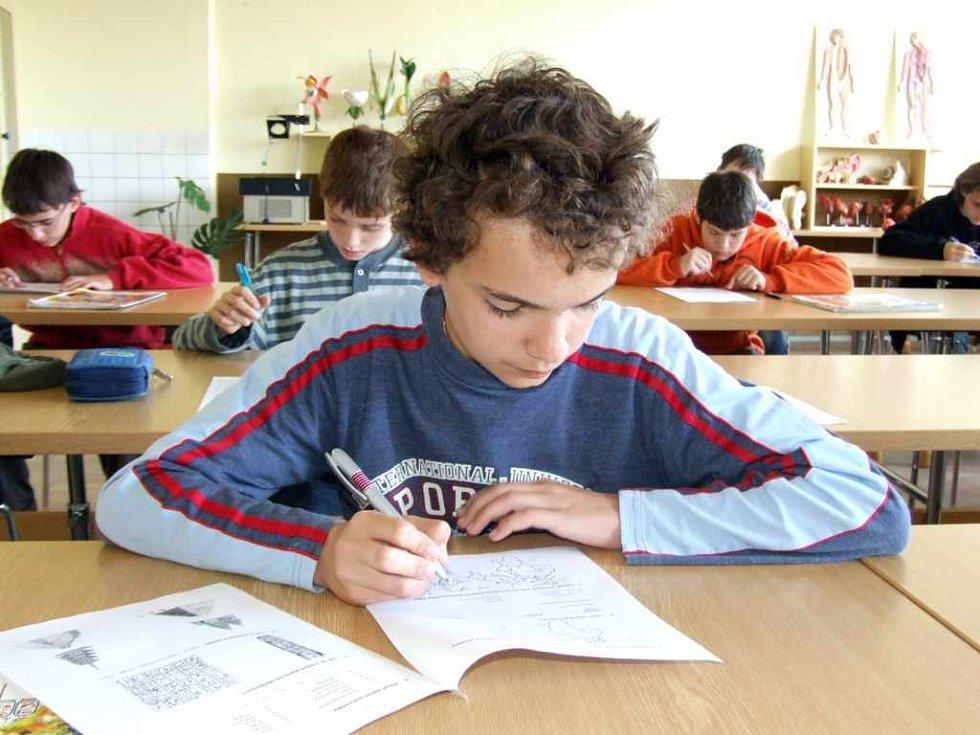 Permoníčku se zúčastnilo přes devadesát žáků šestých a sedmých tříd ze třinácti havířovských základních škol.