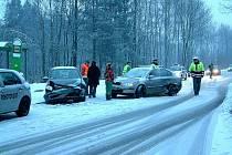 Dopravní nehoda na kluzké vozovce