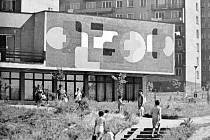 Budova havířovské Městské knihovny z počátku 70. let minulého století na Šrámkově ulici