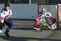 Další dvě prohry karvinských hokejbalistů vytlačily Intevo mimo první osmičku týmů.
