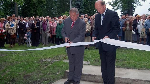 V Orlové-Obrokách byl slavnostně odhalen památník na místě, kde stávala budova Polského reálného gymnázia. Škola letos slaví 100 let