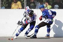 Karvinští hokejbalisté přestříleli v dalším kole Prahu, ale nakonec prohráli.