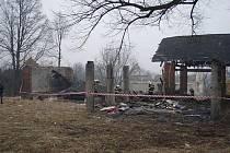 V Orlové-Porubě se v pátek odpoledne zřítila střecha staré stodoly. Zraněn byl při tom čtrnáctiletý chlapec.