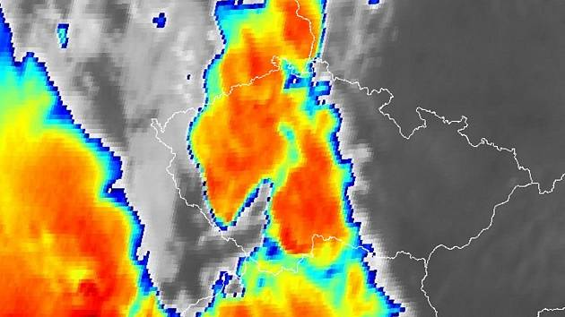 Snímek z meteorologické družice z 18. hodiny