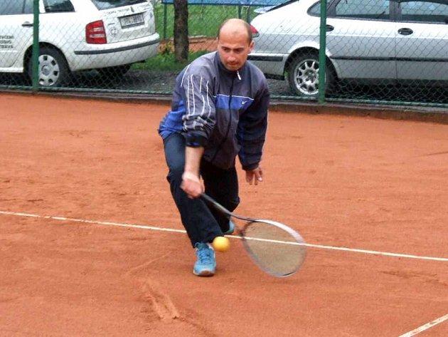 Největším favoritem havířovského Czech soft tenis open bude domácí Roman Fojtík.