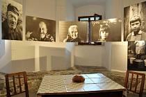 Havířovský fotograf Kazimierz Suchanek vystavuje své černobílé fotografie na zámku v polském Těšíně.