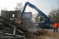 Nebezpečná okolí začala být budova bývalého mlýnu ve Starém Bohumíně. Proto musí k zemi.