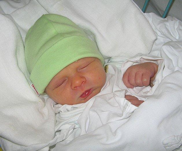 Vojtíšek Smysl je první miminko paní Renáty Smyslové z Karviné. Narodil se 19. září a po narození dítě vážilo 2950 g a měřilo 48 cm.