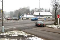 Křižovatku by měly řídit semafory