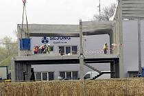 Stavba nové výrobní haly korejské firmy