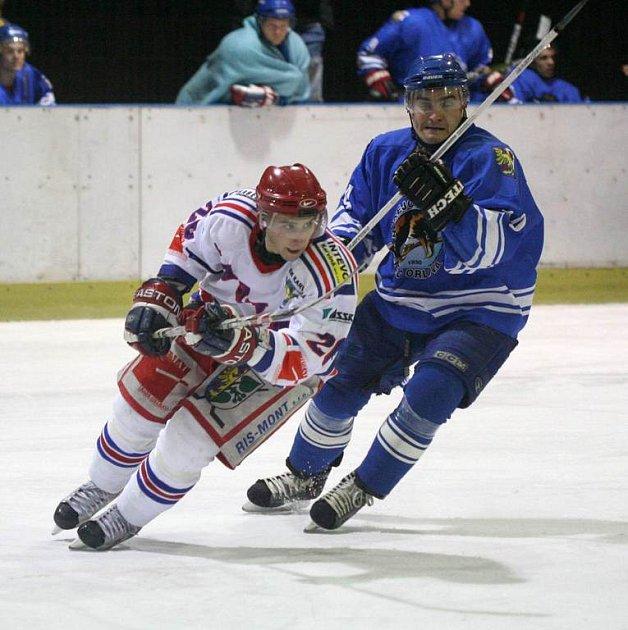 Orlovští hokejisté kráčí v nadstavbové části od porážky k porážce.