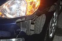 Nehoda mezi automobilem a chodcem.