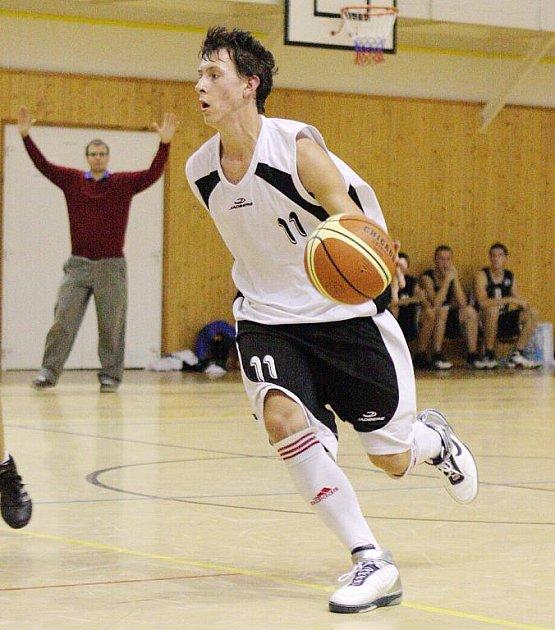 Mladí karvinští basketbalisté (na snímku Jaroslav Odehnal) jsou blízko obhajobě titulu v kategorii U20.