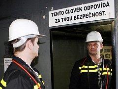 Netradičním způsobem se snaží zvýšit bezpečnost v šachtách OKD
