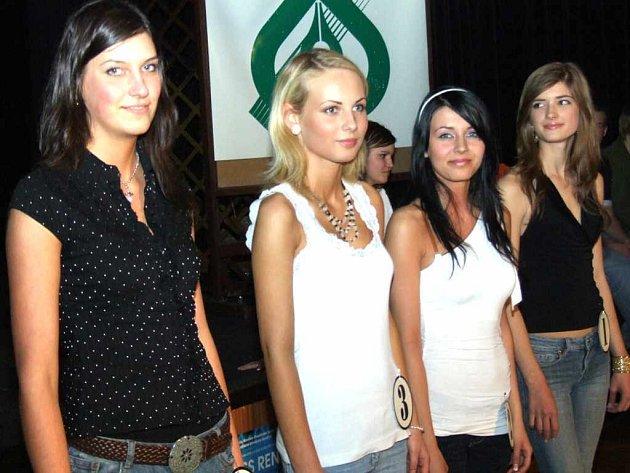 Finalistky se představily na diskotéce k Miss Reneta 2007.