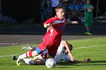 Fotbalisté Karviné (v bílém) prohráli doma s Varnsdorfem 0:1.