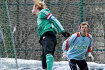 Karvinské fotbalisty čeká na úvod jara exligový Most.