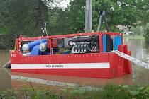 V Darkově pomáhá s velkou vodou i nejvýkonnější čerpadlo dovezené ze středních Čech.
