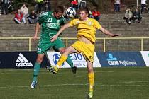 Martin Motyčka (vlevo) zvládá svou novou úlohu stopera bravurně.