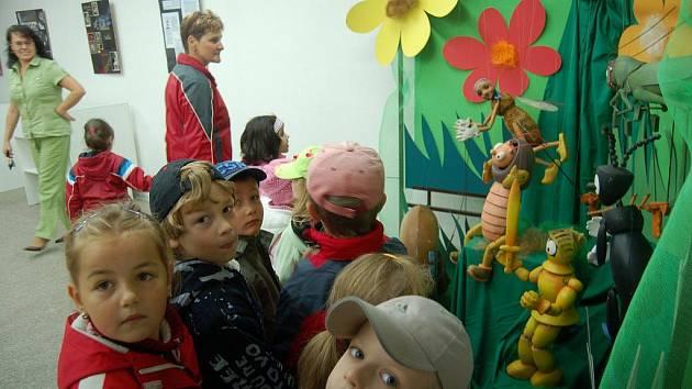 V říši loutek se ocitly děti z jedné orlovské mateřinky, které v úterý dopoledne návštívily výstavu organizovanou zdejším kulturním domem.