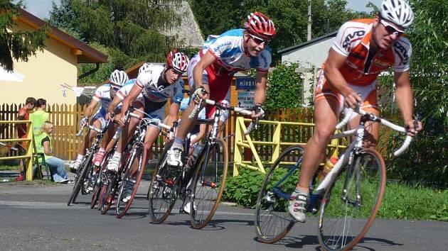 """Paskovský kriťák byl patnáctým závodem Slezského poháru amatérských cyklistů 2009. Závěrečná dvě kola seriálu jsou na programu o víkendu - v sobotu se jede Mokrolazecká """"60"""" a v neděli Petrovická časovka."""