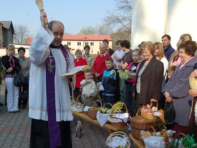 Svěcení velikonočního jídla v Českém Těšíně
