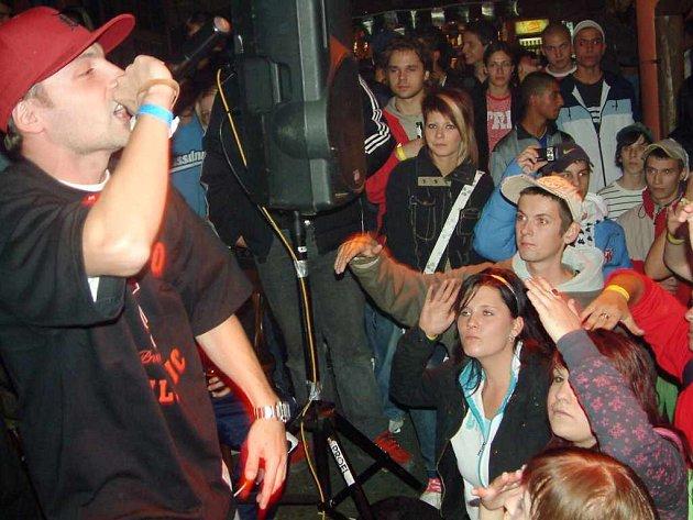 Lafor přijel do Havířova představit své debutové album a jeho vystoupení sledovala zcela zaplněná Stodola.