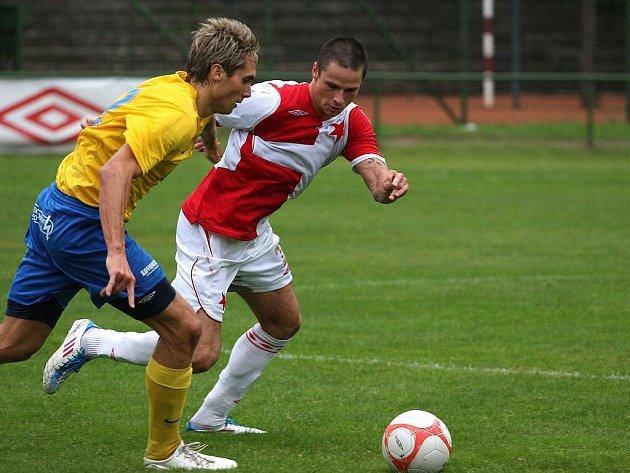 Duel Orlové (sešívané dresy) s Šumperkem nabídl kvalitní fotbal.