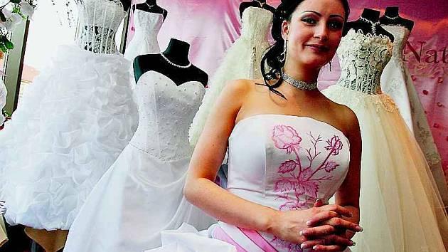 Sedmičkové datum si pro svou svatbu vybralo mnoho párů.