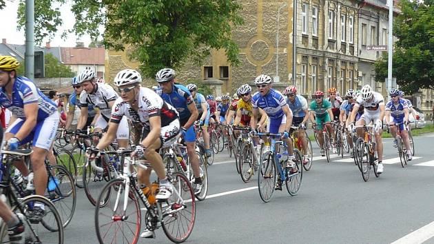Krnovským Goofákem, kterého se zúčastnilo 137 závodníků, pokračoval v sobotu Slezský pohár amatérských cyklistů pro rok 2008.