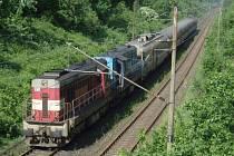 Vlaky musely po trati bez elektřiny tahat dieselové lokomotivy
