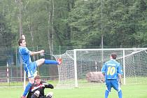Orlovští fotbalisté zatím kráčejí divizí bez zaváhání.
