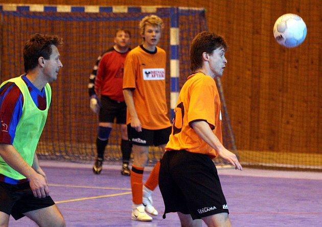 Karvinská futsalová Refotal liga pokračovala dalšími zápasy.