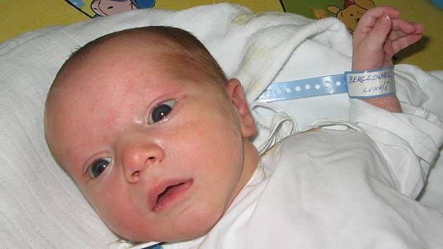 Dne 19. ledna 2008 se paní Miladě Berglowcové z Karviné narodil syn Lukášek. Po narození měřil 51 cm a vážil 3100 g.