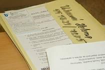 Osobní data uchazečů o zaměstnání si mohl přečíst každý, kdo přišel k informačnímu okénku.