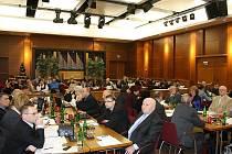Zasedání havířovského zastupitelstva v KD Radost