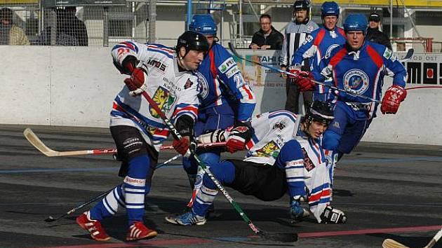 Hokejbalisté Karviné na úvod prohráli.