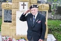 Leo Herman vzdal čest obětem světových válek. V té první přišel o strýce, což mu připomíná památník v Havířově–Prostřední Suché.