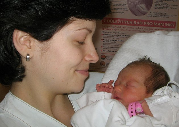 Paní Michaele Kovářové z Karviné se 17. října narodila dcerka Terezka. Porodní váha malé Terezky byla 2400 g a míra 44 cm.