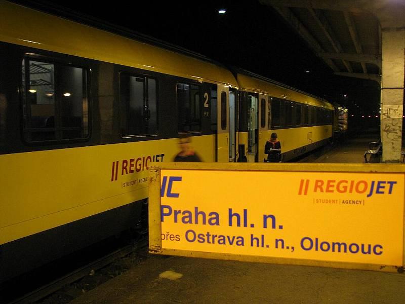 Začátky společnosti Regiojet na trase Havířov – Ostrava – Praha. Archivní snímek.