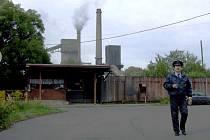Černý kouř vycházející z komínů ostravských oceláren není výjimečným úkazem.