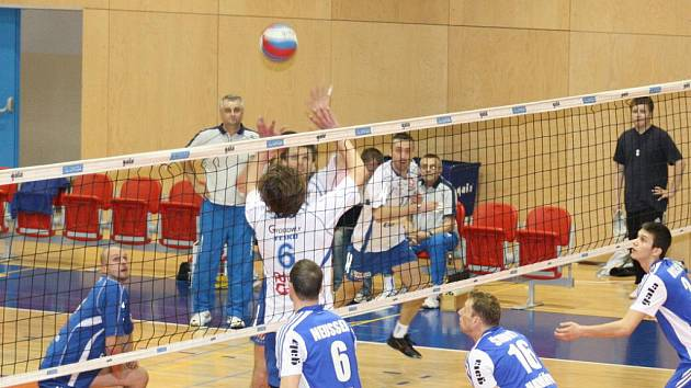 Čtvrté čtvrfinále vyhráli v Havířově opět Zlínští (bílé dresy) a zajistili si tím postup do semifinále.