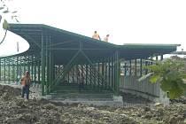 Na okraji Karviné pokračuje stavba golfového hřiště na rekultivovaném území Sovinec-Lipiny. Hotovo by měl obýt ještě do konce roku