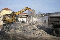 Demolice bývalé školní jídelny v centru Havířova