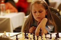Malá Anežka se v sedmi letech zúčastnila šachového mistrovství světa v Řecku.